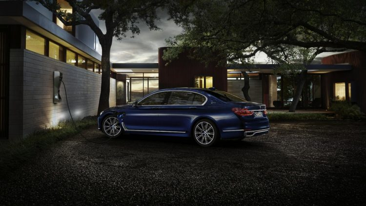 BMW-7-Series-centennial-2016-2