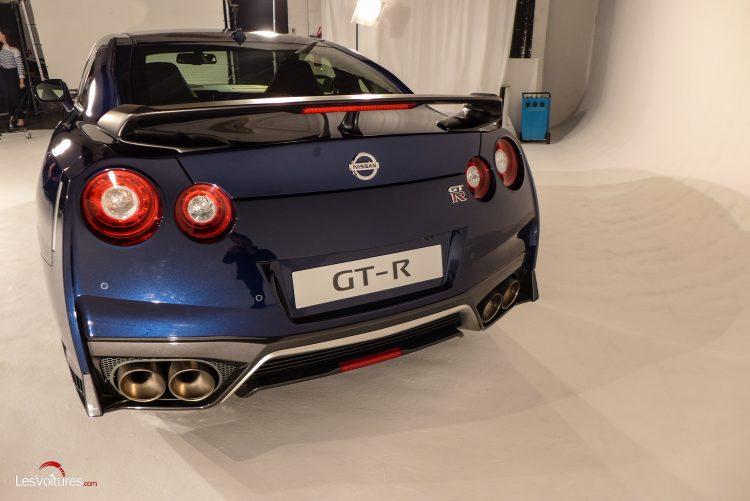 Nissan-gt-r-2017-8