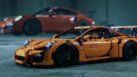 video-porsche-911-gt3-rs-lego-technic