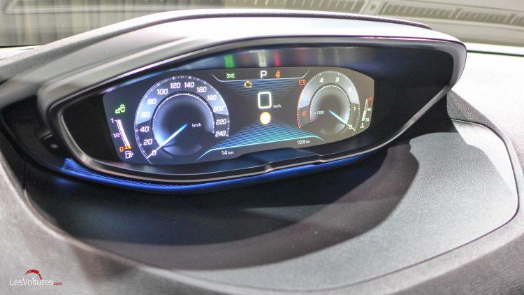 Peugeot-3008-2016-12