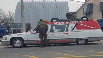 ghosbusters-police-corbillard-canada