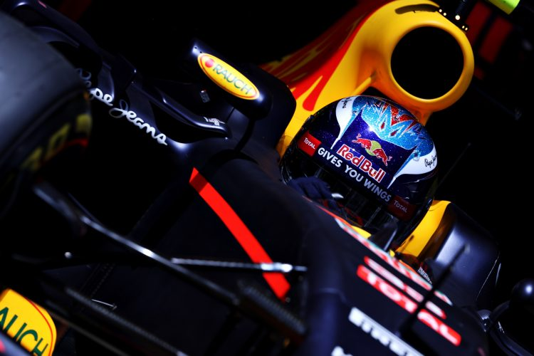 MONTMELO, SPAIN - MAY 14: Max Verstappen of the Netherlands driving the (33) Red Bull Racing Red Bull-TAG Heuer RB12 TAG Heuer leaves the garage during qualifying for the Spanish Formula One Grand Prix at Circuit de Catalunya on May 14, 2016 in Montmelo, Spain. (Photo by Mark Thompson/Getty Images)