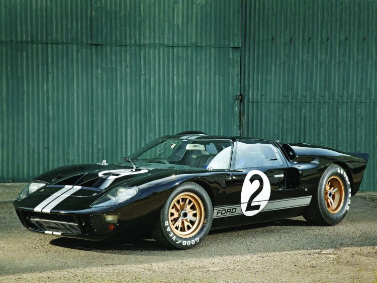 Ford GT40 race car in 1966 Le Mans winning colours. (07/03/06)