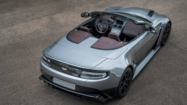 aston-martin-vantage-gt12-roadster-2016-3