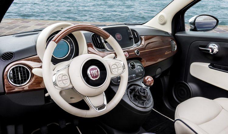 fiat 500 riva une s rie luxueuse en association avec la marque de bateaux les voitures. Black Bedroom Furniture Sets. Home Design Ideas