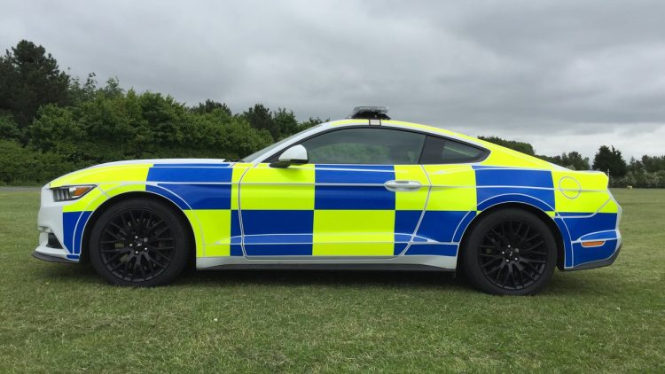 ford-mustang-police-uk-2016-4