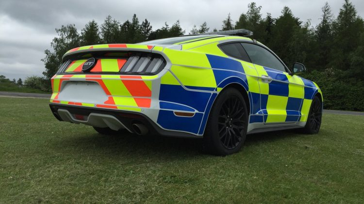 ford-mustang-police-uk-2016-5