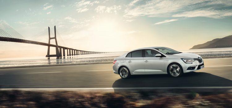 nouvelle-megane-sedan-tricorps-2016-14