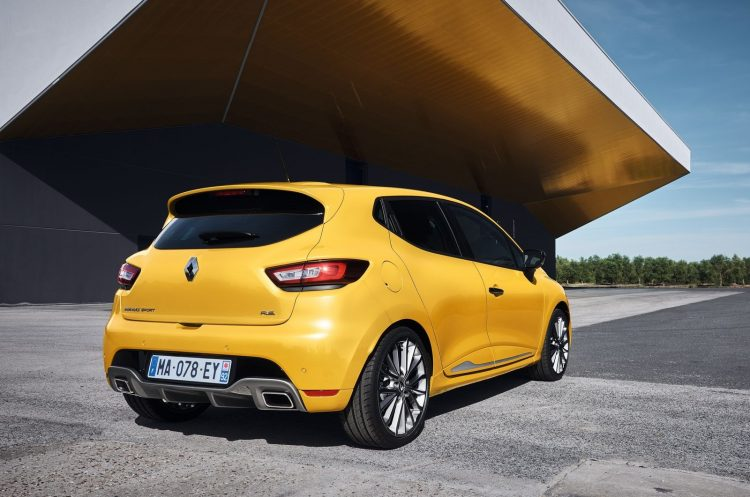 renault-clio-rs-2016-back