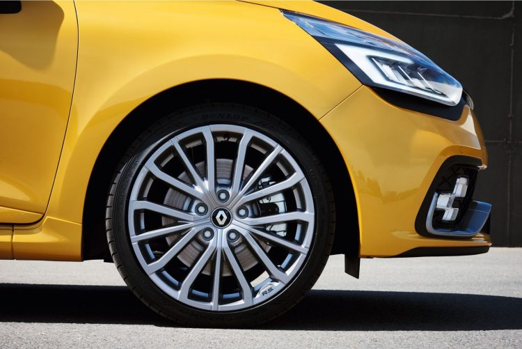 renault-clio-rs-2016-wheel