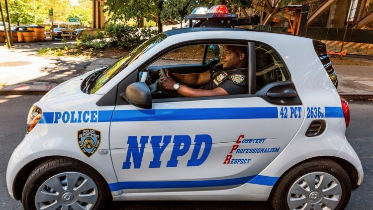 2017-smart-fortwo-new-york-police-department-22