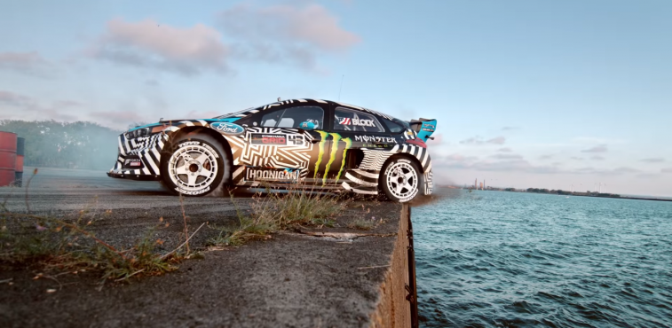 ford-focus-rs-rx-video-gymkhana-9