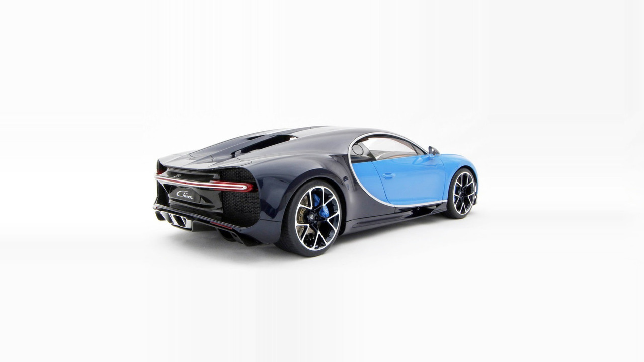 bugatti chiron 18 diecast 2 les voitures. Black Bedroom Furniture Sets. Home Design Ideas