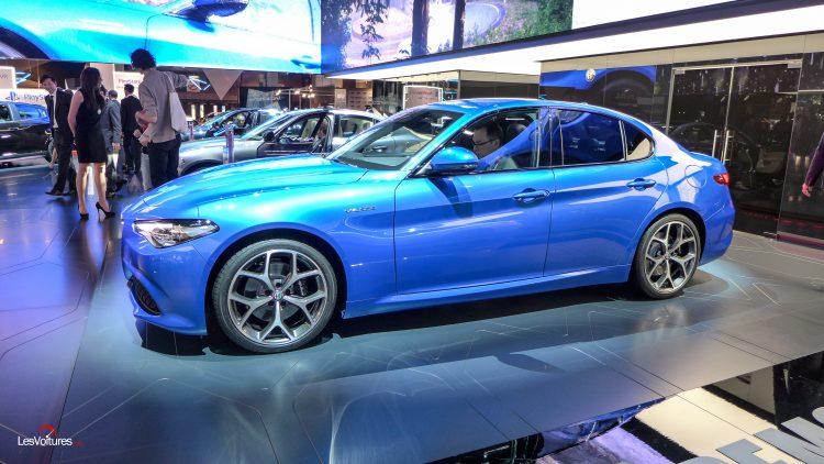 mondial-automobile-paris-2016-1-alfa-romeo-giulia-veloce