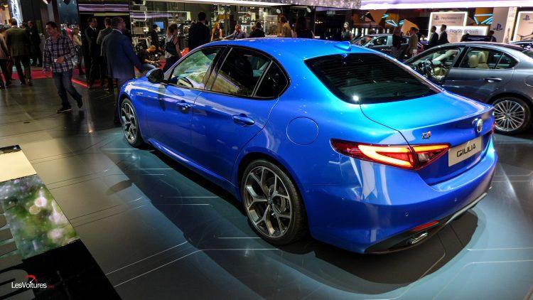 mondial-automobile-paris-2016-12-alfa-romeo-giulia-veloce