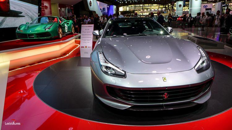 mondial-automobile-paris-2016-87-ferrari-gtc4-lusso