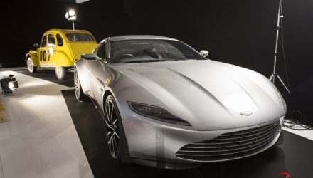 mondial-automobile-paris-2016-exposition-moteur-automobile-fait-son-cinema-aston-martin-db11-james-bo-nd