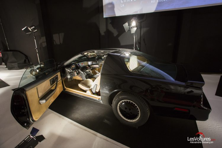 mondial-automobile-paris-2016-exposition-moteur-automobile-fait-son-cinema-pontiac-k2000