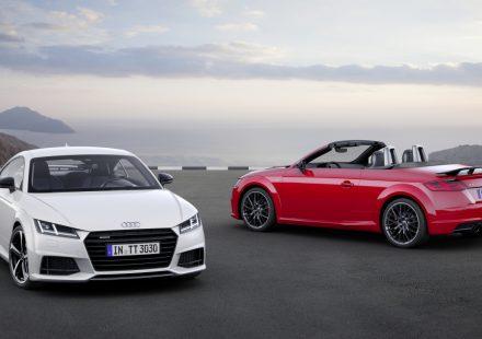 Audi TT  Coupé S line competition     Static photo, Colour: Glacier White Audi TT Roadster S line competition  Static photo, Colour: Tango Red