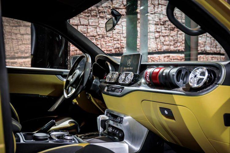 concept-x-class-pick-up-mercedes-interior-2