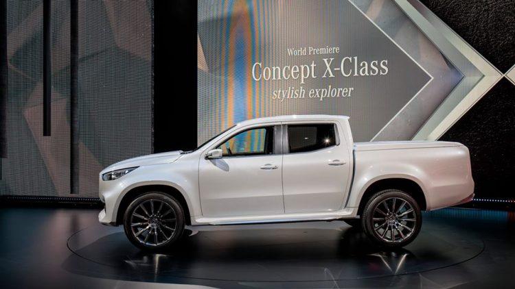 concept-x-class-pick-up-mercedes-interior-6