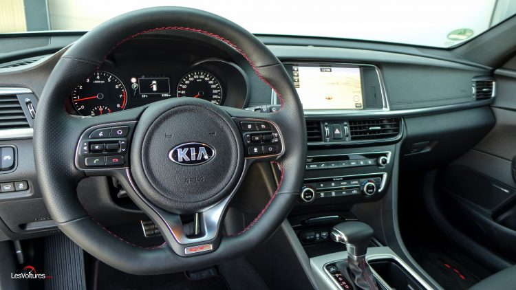 essai-test-drive-les-voitures-kia-optima-sw-18