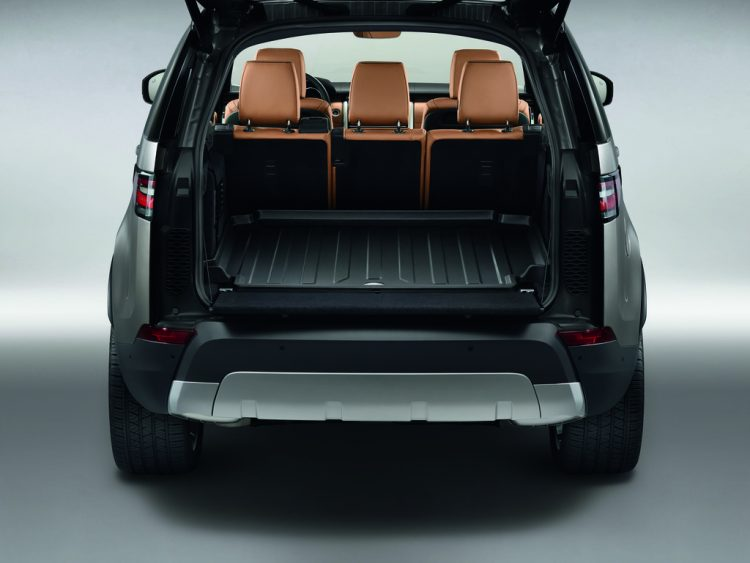 land-rover-discovery-interior