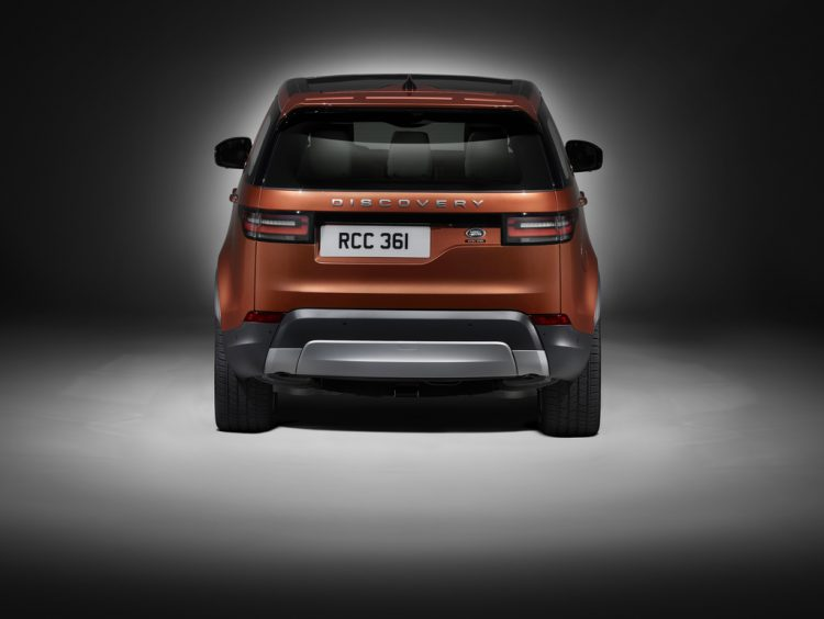 land-rover-discovery-rear
