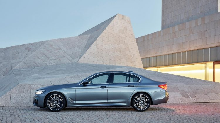 bmw-serie-5-series-2016-2017-new-11