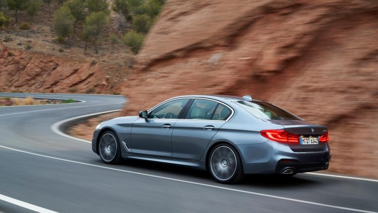 bmw-serie-5-series-2016-2017-new-13