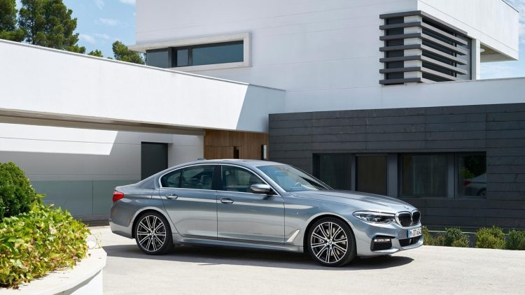 bmw-serie-5-series-2016-2017-new-27