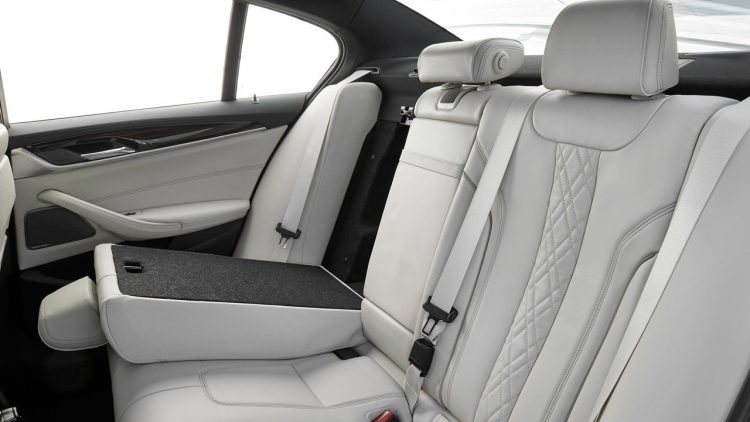 bmw-serie-5-series-2016-2017-new-interior