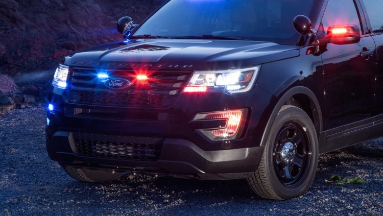 ford-police-interceptor-utility-usa-2016-2