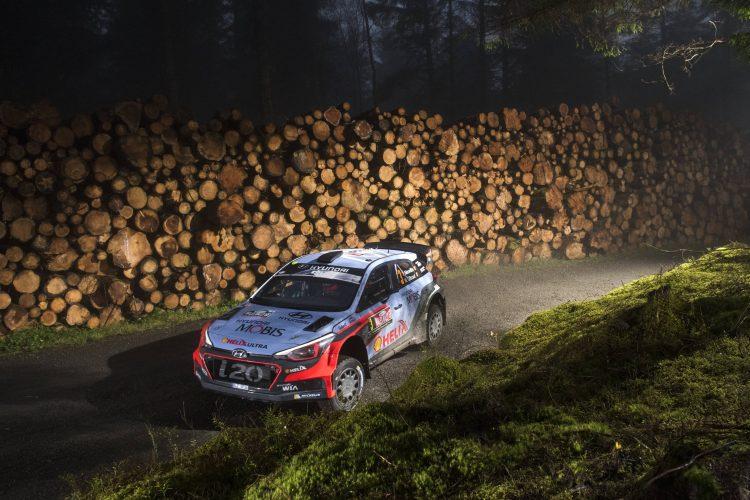 hyunday-i20-neuville-wrc-rally-walles-grande-bretagne-2016-2