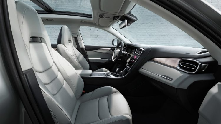lynk-co-01-geely-volvo-interior-3