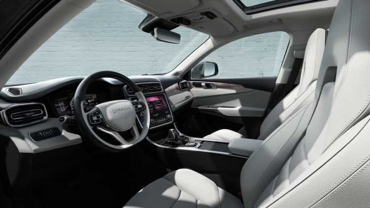 lynk-co-01-geely-volvo-interior
