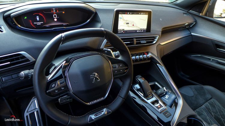 Peugeot 3008 des ventes records avec 15 000 commandes for Interieur 3008 2017