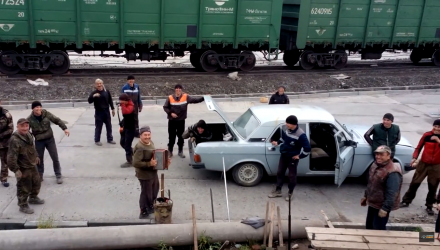 video-russe-russian-car-voiture-17-man-personnes