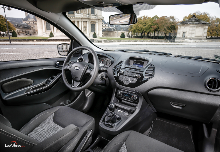 ford-ka-interieur