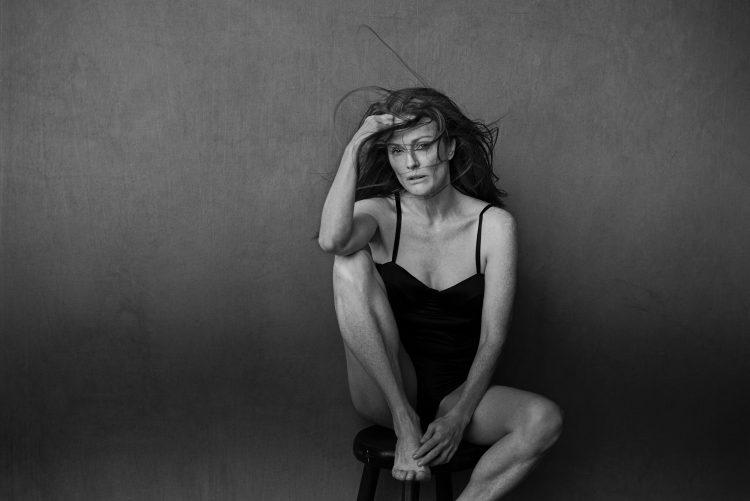julianne-moore-calendrier-pirelli-2017