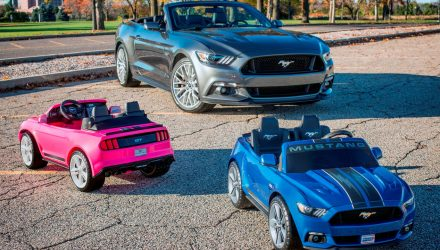 ford-mustang-power-wheels-porteur-enfant