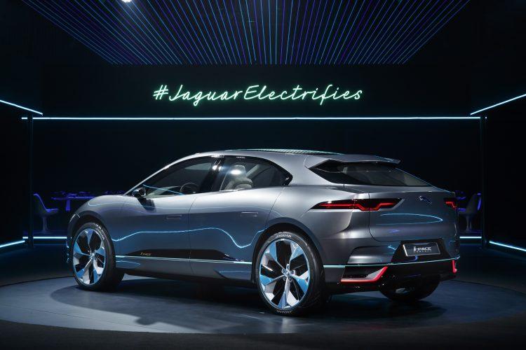 jaguar-i-pace-suv-electrique-concept-back-2