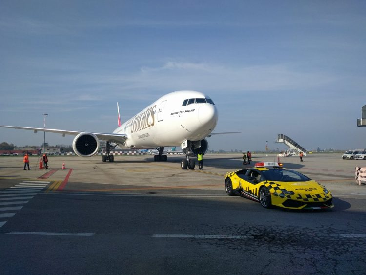 lamborghini-huracanl-aeroport-bologne-3