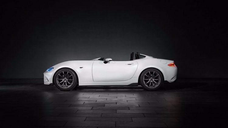 mazda-mx-5-miata-rf-kuro-and-mx-5-speedster-10