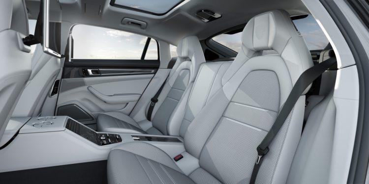 porsche-panamera-v6-essence-version-longue-2017-interior-2