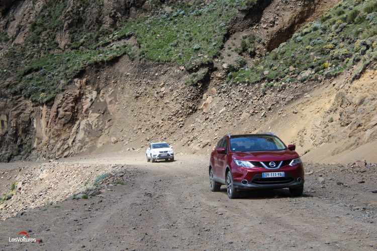 afrique-de-sud-54-road-trip-les-voitures-m6-turbo-seat-ateca-peugeot-3008-nissan-qashqai-sani-pass