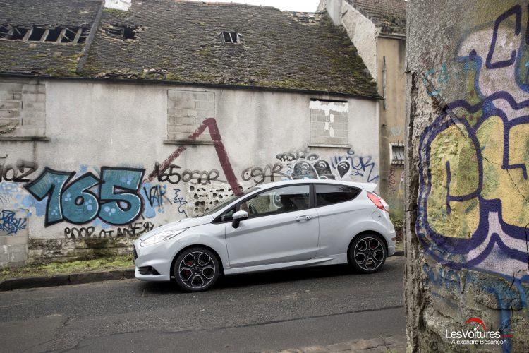 essai-les-voitures-ford-fiesta-st200 (14)