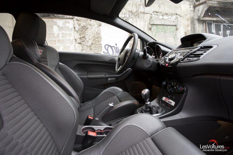 essai-les-voitures-ford-fiesta-st200 (19)