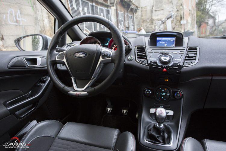 essai-les-voitures-ford-fiesta-st200 (20)
