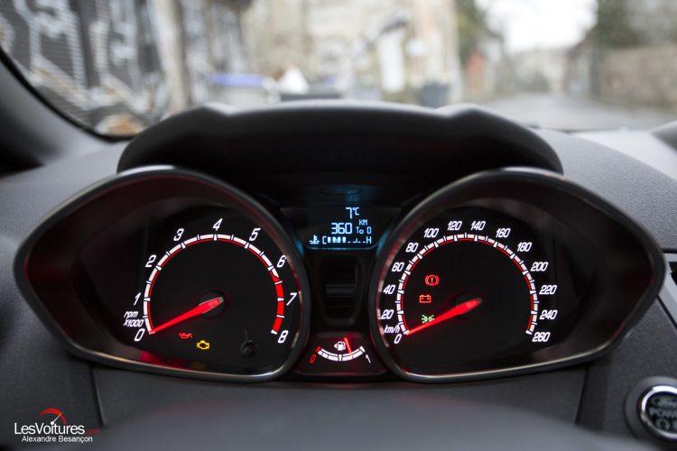 essai-les-voitures-ford-fiesta-st200 (5)